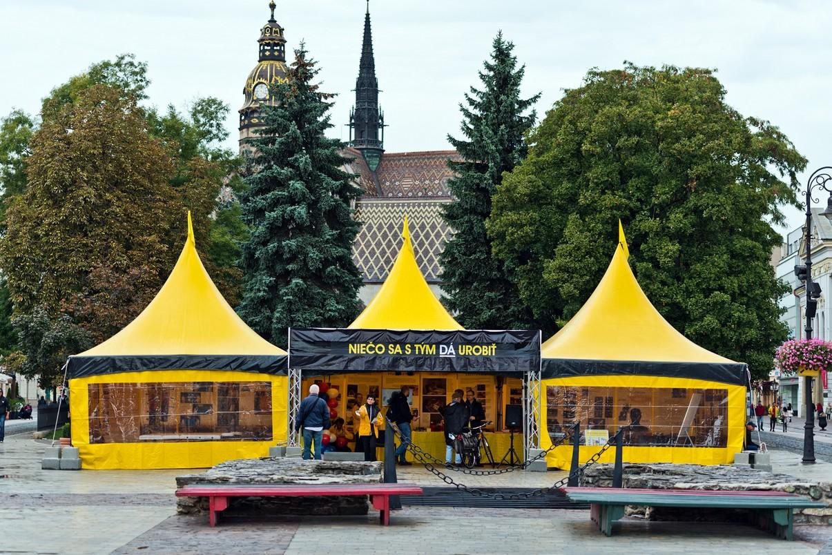 Európske turné žltého stanu pomoci zavíta d - Kam v meste  89b79a2cd93